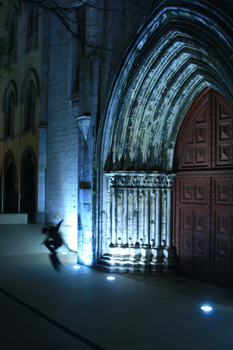 While wandering through Chiado after dinner, David and I spotted a young skateboarder perfecting aerials outside the Gothic Convento do Carmo (img: Sean Patrick Doyle)